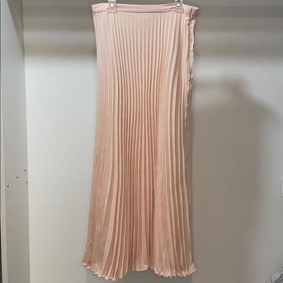 Banana Republic Dresses & Skirts - Pink skirt